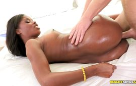 Fresh ebony Ashlynn Sixxx previous to she gets to be fucked
