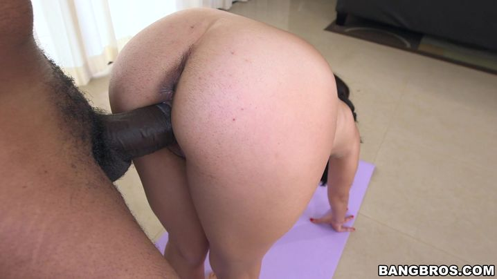 Luscious latin Sofia Rivera loudly groans while being fucked with great vigor