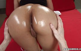 Kinky latin brown-haired gal Sofia and her mate are making out
