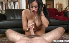Lusty maid Jamie Valentine knows how to suck a huge dong